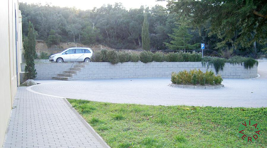 Ajuntament d'Agullana. Urbanització entrada cementiri